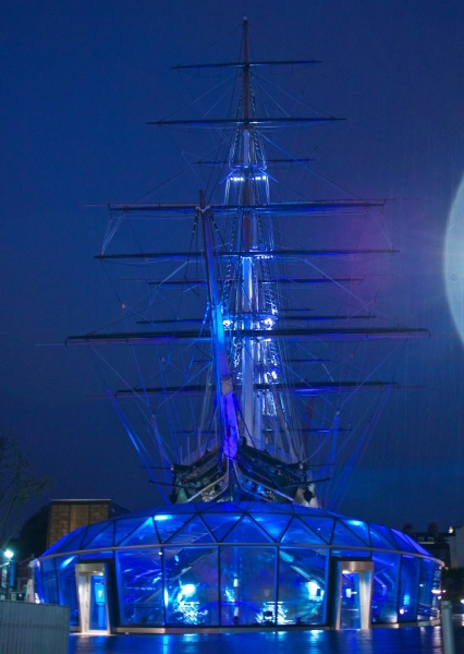 Cutty Sark lit blue to celebrate the NHS